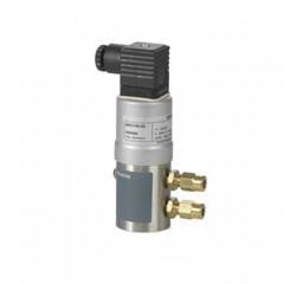 Датчик перепада давления для жидкостей и газов (0…10 В) 0…16 бар